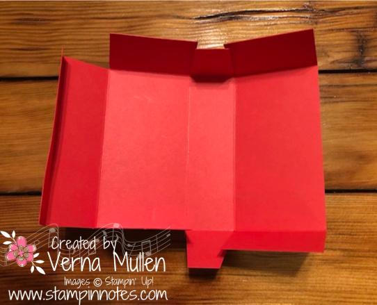 Box folded 2