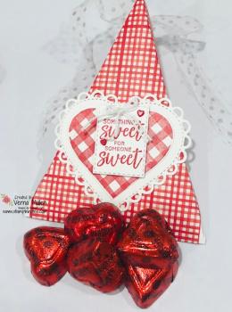 Triangle treat box single 2