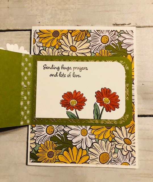 Ornate daisy inside funfold card